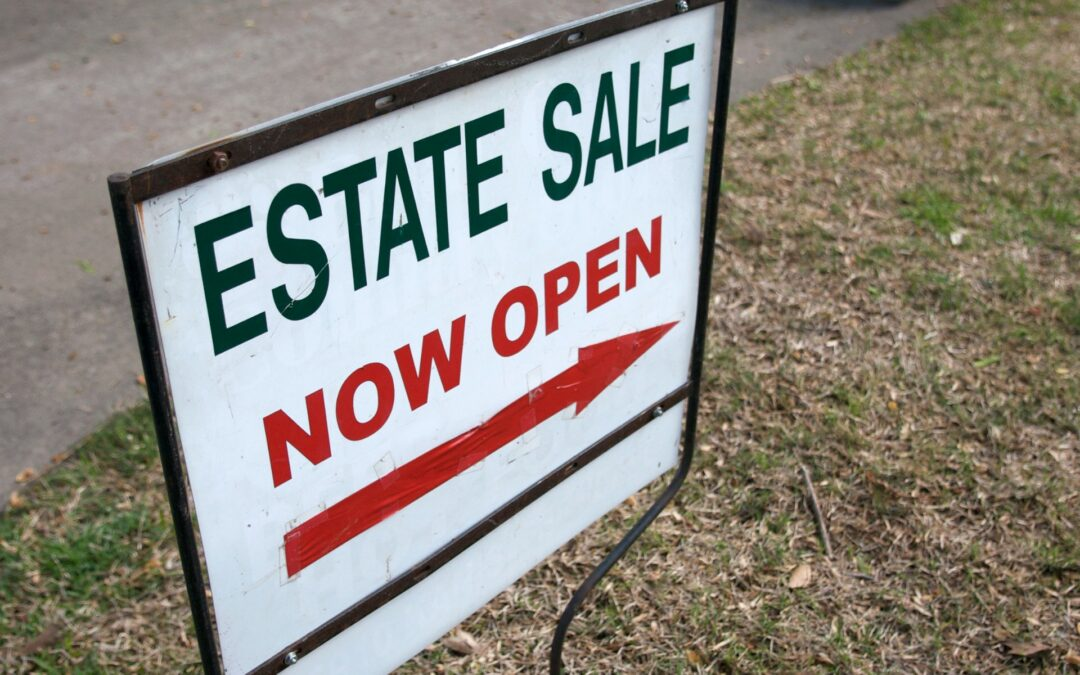 How does an estate sale work?